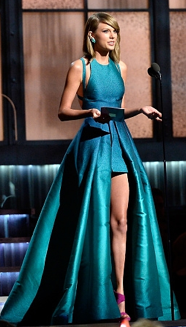 Taylor Swift at the 2015 Grammy Awards